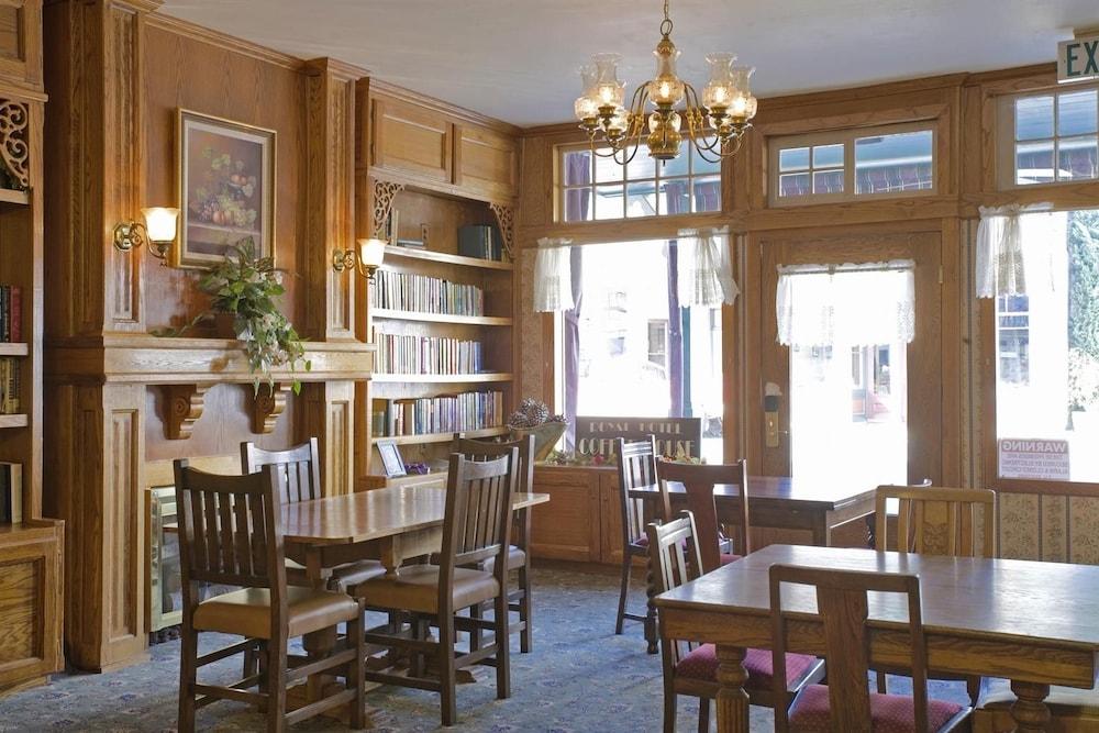아메리카스 베스트 밸류 인 & 스위트 - 로열 캐리지(Americas Best Value Inn & Suites-Royal Carriage) Hotel Image 22 - Dining
