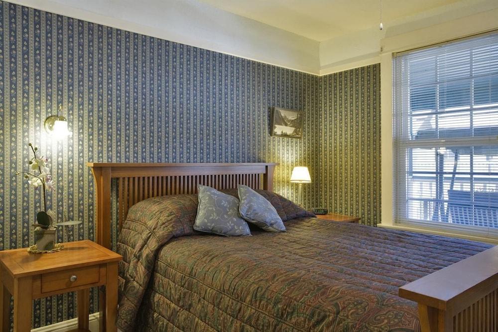 아메리카스 베스트 밸류 인 & 스위트 - 로열 캐리지(Americas Best Value Inn & Suites-Royal Carriage) Hotel Image 6 - Guestroom