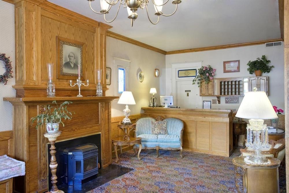 아메리카스 베스트 밸류 인 & 스위트 - 로열 캐리지(Americas Best Value Inn & Suites-Royal Carriage) Hotel Image 1 - Lobby