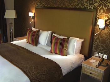 Standard Room, 1 Queen Bed, Non Smoking (Oversized Room)