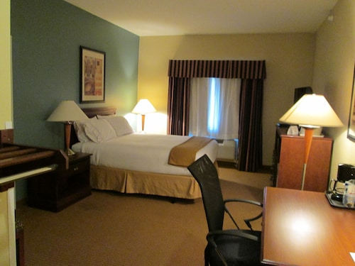 . Holiday Inn Exp Chester WV