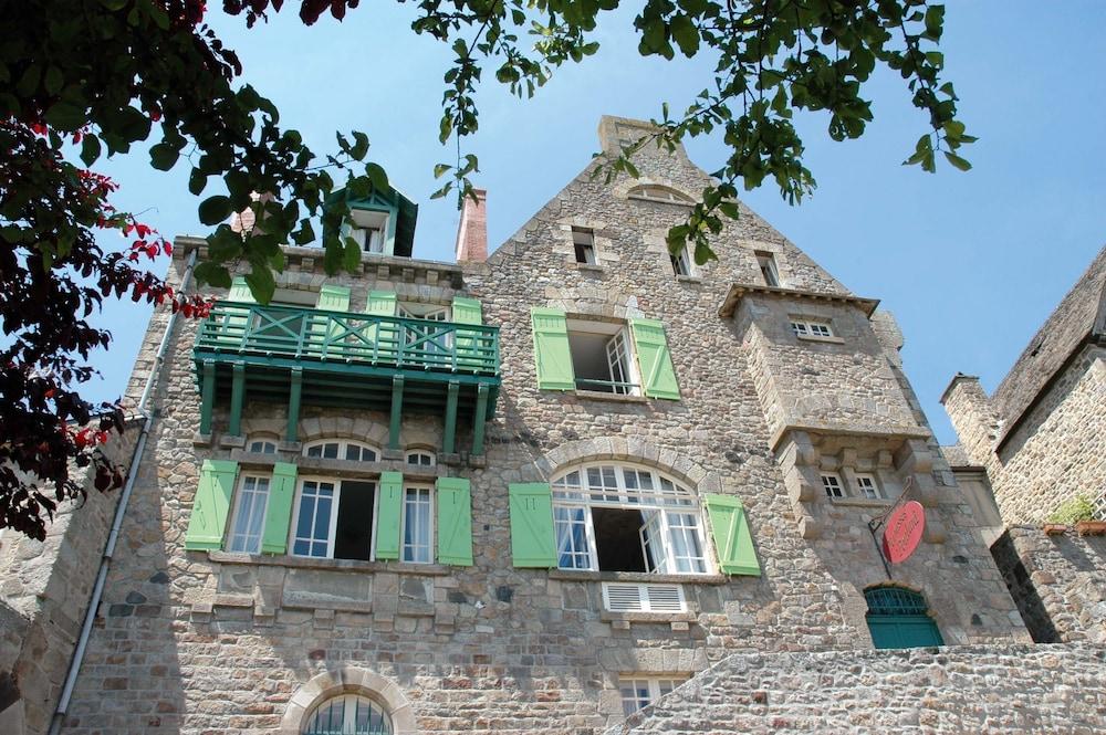 France - Normandie - Mont Saint Michel - Les Terrasses Poulard 3***