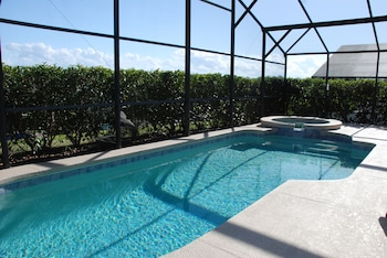 House, 5 Bedrooms, Private Pool, Poolside
