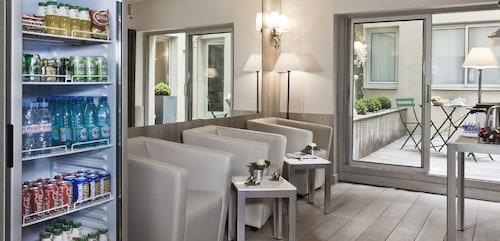 . Hotel Longchamp Elysees