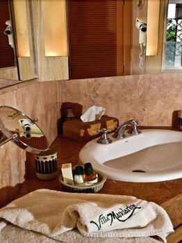 빌라 만다린(Villa Mandarine) Hotel Image 17 - Bathroom Sink