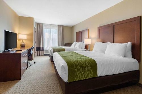 . Comfort Inn & Suites Deming