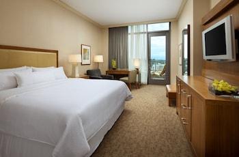 Guestroom at The Westin Bellevue in Bellevue