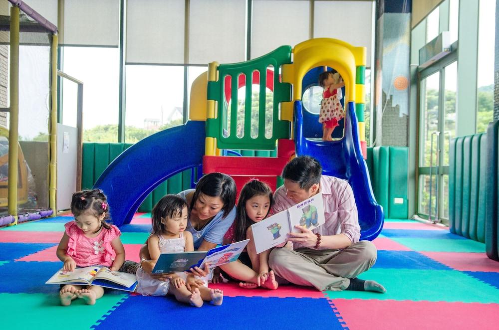 兒童遊樂區 - 室內