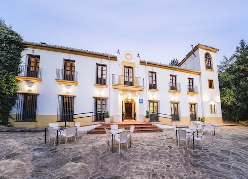 . Hotel Humaina
