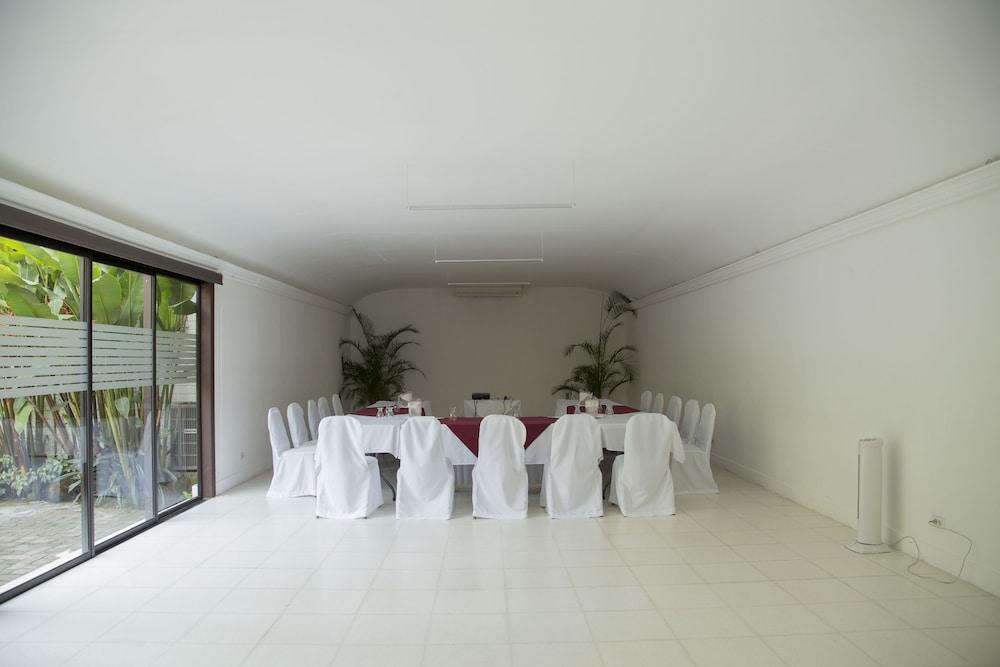 호텔 라스 파롤라스(Hotel Las Farolas) Hotel Image 36 - Ballroom