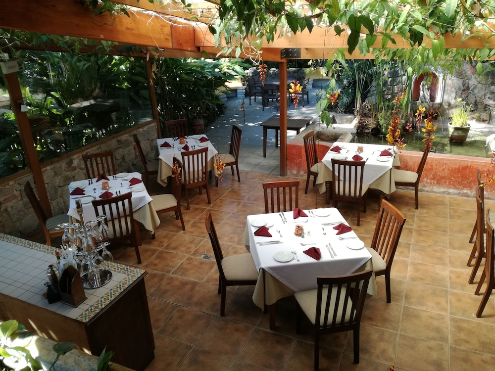 호텔 라스 파롤라스(Hotel Las Farolas) Hotel Image 23 - Restaurant