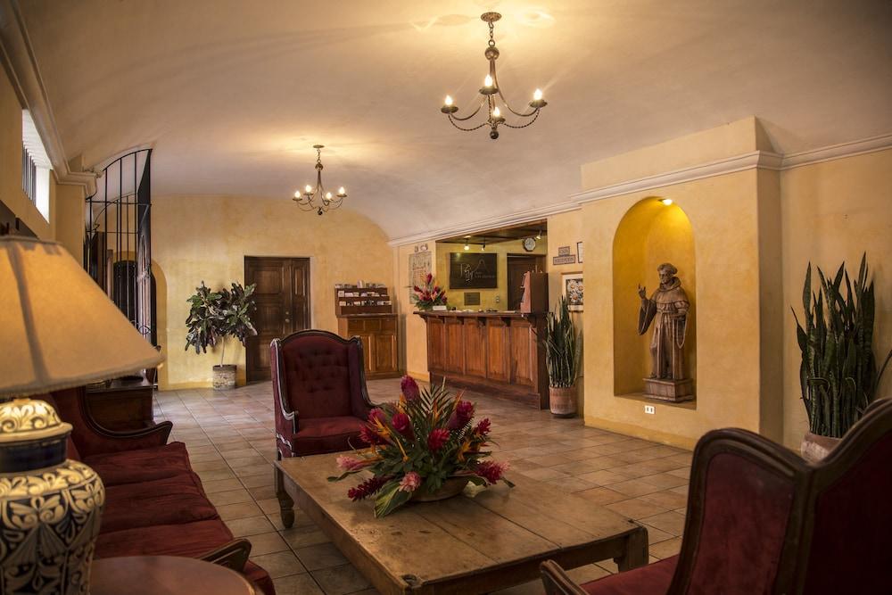 호텔 라스 파롤라스(Hotel Las Farolas) Hotel Image 1 - Lobby Sitting Area