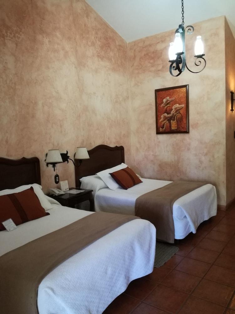 호텔 라스 파롤라스(Hotel Las Farolas) Hotel Image 6 - Guestroom