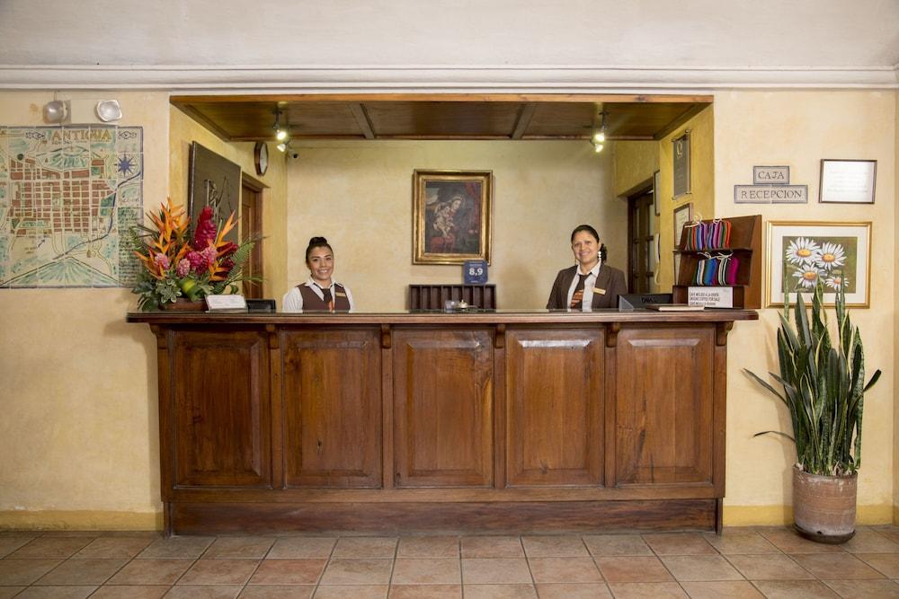 호텔 라스 파롤라스(Hotel Las Farolas) Hotel Image 2 - Reception