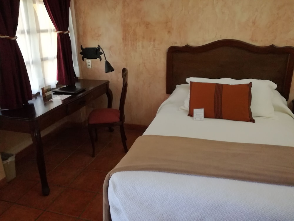 호텔 라스 파롤라스(Hotel Las Farolas) Hotel Image 7 - Guestroom