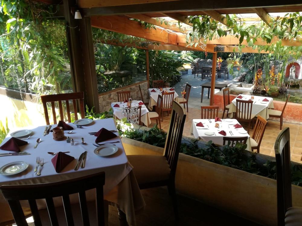 호텔 라스 파롤라스(Hotel Las Farolas) Hotel Image 30 - Food Court