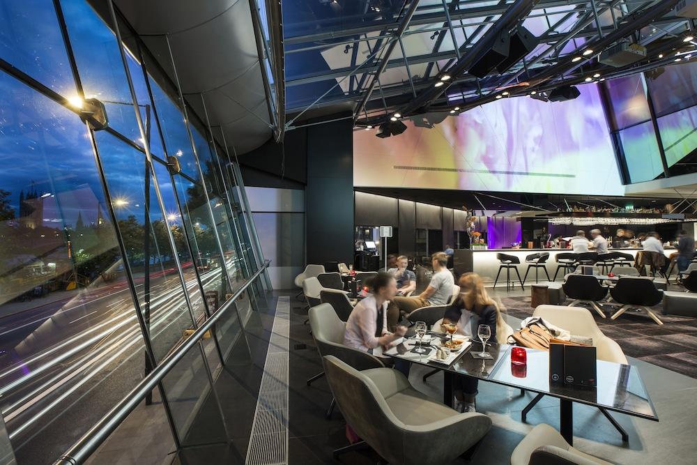 플라자 온 더 리버(Plaza on the River) Hotel Image 30 - Food Court