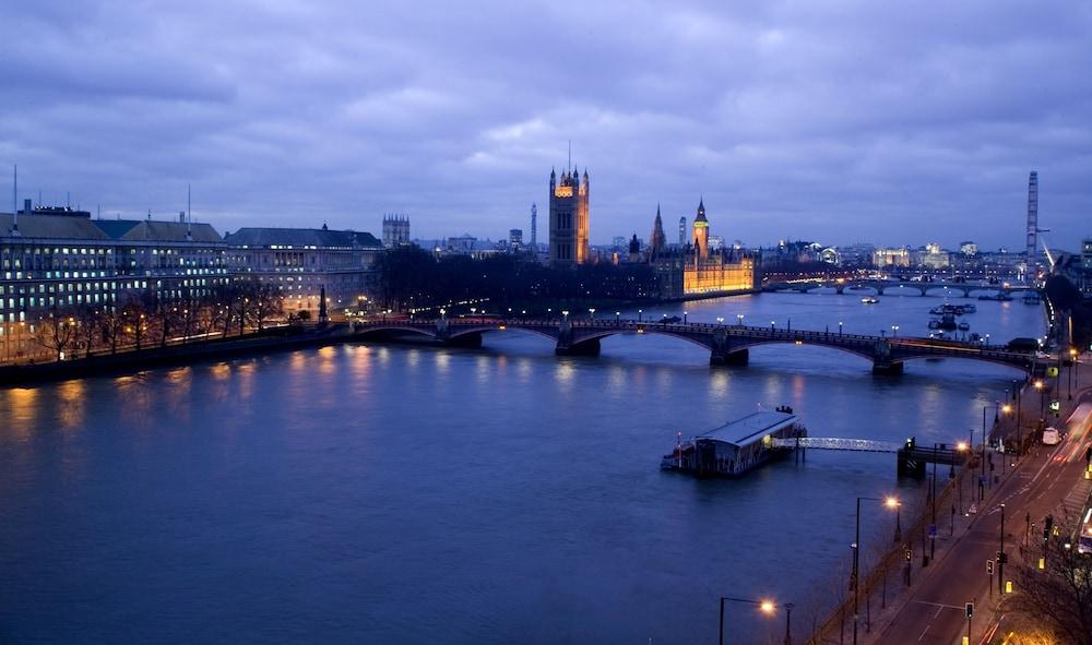 플라자 온 더 리버(Plaza on the River) Hotel Image 52 - View from Hotel