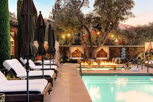 . Hotel Yountville