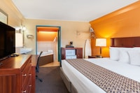 Deluxe Room, 1 King Bed, Hot Tub