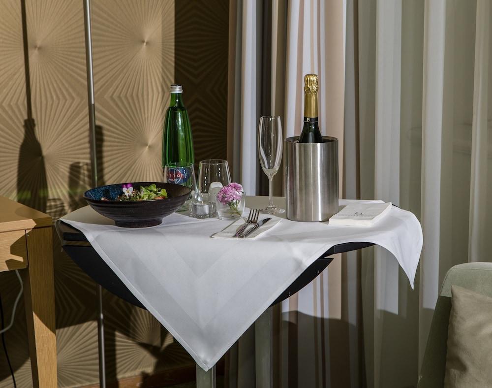 호텔이미지_룸서비스 - 식사