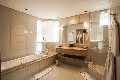 Sands Suites Resort & Spa,