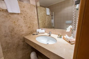 Hoftaferne Neuburg - Bathroom  - #0
