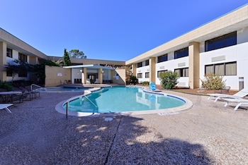 Americas Best Value Inn & Suites-Texas City/La Marque - Pool  - #0