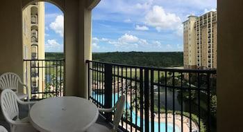 Suite, 2 Bedrooms, Balcony, Pool View