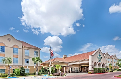 . Homewood Suites by Hilton Laredo at Mall del Norte