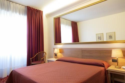 . iH Hotels Milano St. John Sesto San Giovanni