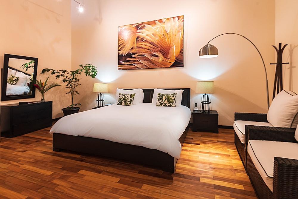 https://i.travelapi.com/hotels/2000000/1360000/1351400/1351334/1ff00363_z.jpg