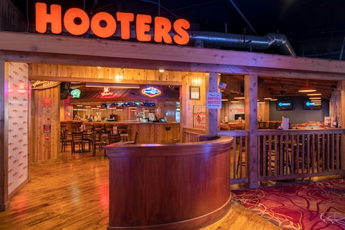 Hooters Casino Hotel image 36