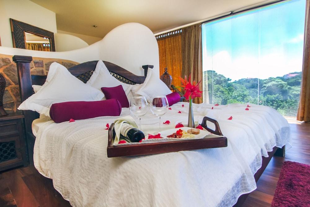 이시모 스위트 부티크 호텔 & 스파 성인 전용(Issimo Suites Boutique Hotel & Spa - Adults Only) Hotel Image 30 - Guestroom