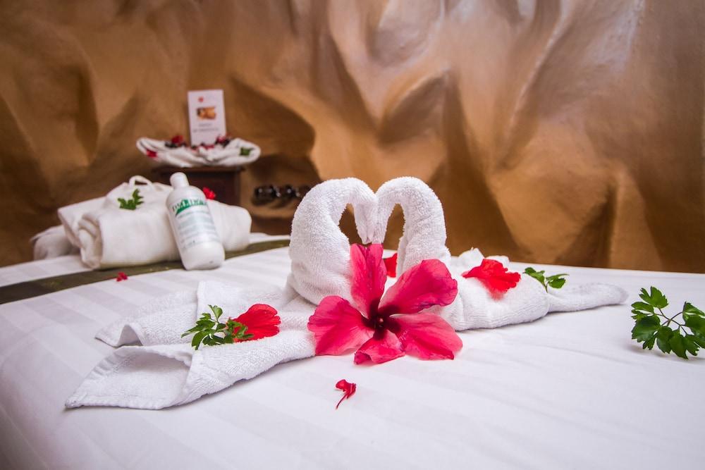 이시모 스위트 부티크 호텔 & 스파 성인 전용(Issimo Suites Boutique Hotel & Spa - Adults Only) Hotel Image 31 - Treatment Room