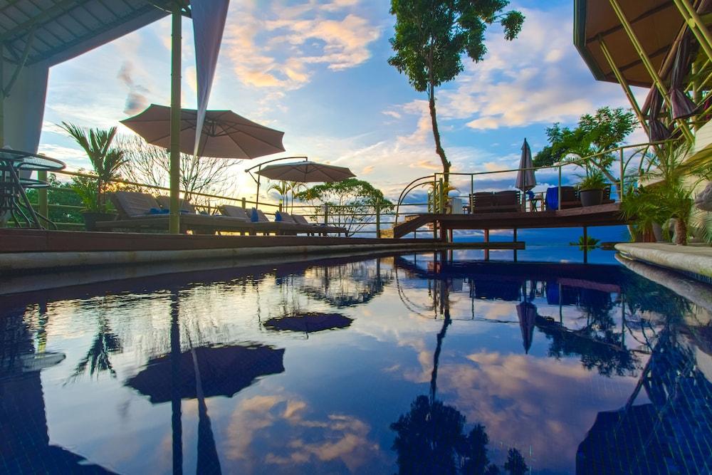 이시모 스위트 부티크 호텔 & 스파 성인 전용(Issimo Suites Boutique Hotel & Spa - Adults Only) Hotel Image 4 - Pool