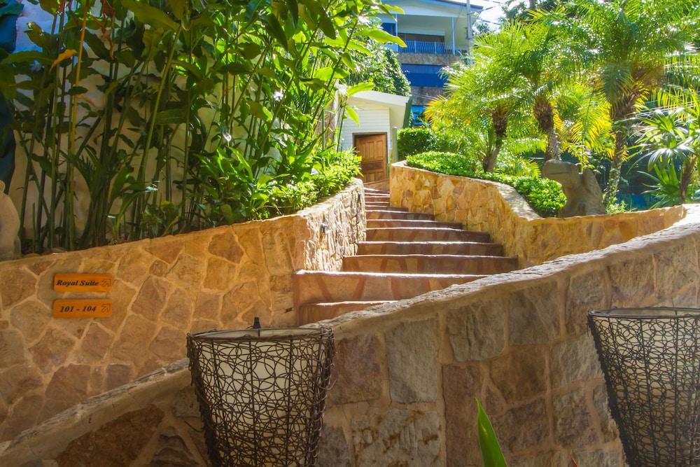 이시모 스위트 부티크 호텔 & 스파 성인 전용(Issimo Suites Boutique Hotel & Spa - Adults Only) Hotel Image 53 - Staircase