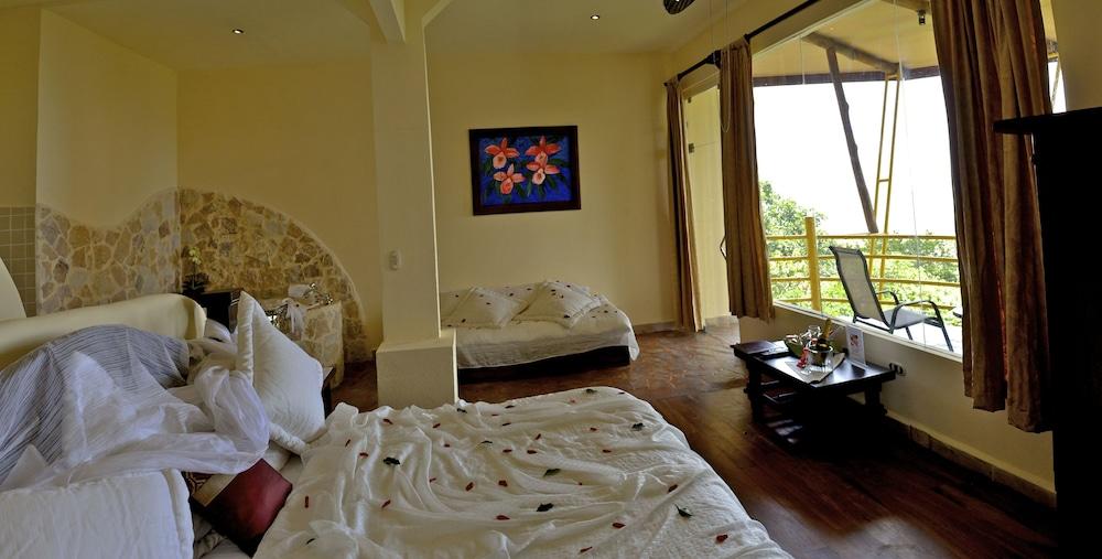 이시모 스위트 부티크 호텔 & 스파 성인 전용(Issimo Suites Boutique Hotel & Spa - Adults Only) Hotel Image 29 - Guestroom