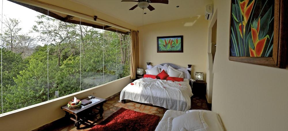 이시모 스위트 부티크 호텔 & 스파 성인 전용(Issimo Suites Boutique Hotel & Spa - Adults Only) Hotel Image 6 - Guestroom