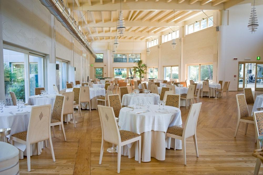 알보레아 에코로지 리조트(Alborèa Ecolodge Resort) Hotel Image 15 - Restaurant