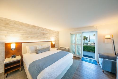 . SeaCrest OceanFront Hotel