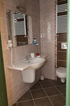 Harman Hotel - Bathroom  - #0
