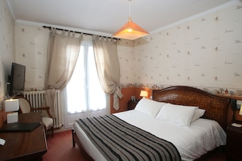 Superior Room, 1 Queen Bed, Non Smoking (Larger Room)