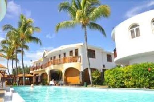 . Gold Beach Resort