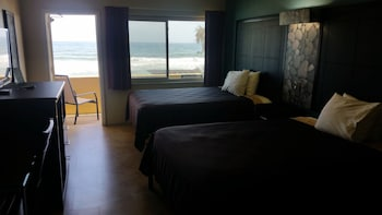 Oceanfront Double with Kitchenette and Balcony
