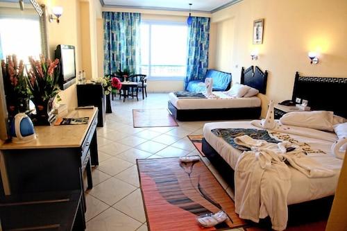 King Tut Aqua Park Beach Resort - All Inclusive, Al-Ghurdaqah