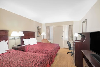Guestroom at Days Inn by Wyndham Springfield/Phil.Intl Airport in Springfield