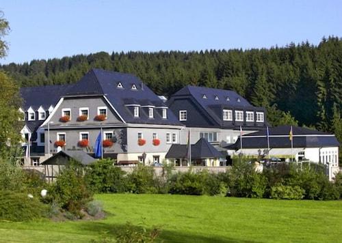 . Sporthotel Landhaus Wacker