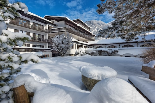 __{offers.Best_flights}__ Johannesbad Hotel St. Georg
