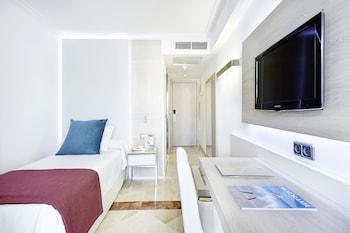 Single Room, Balcony